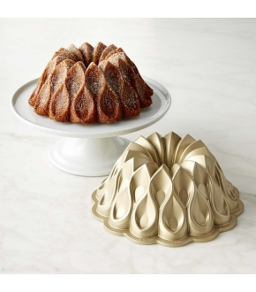 Forma Crown Bundt Pan - Nordic Ware