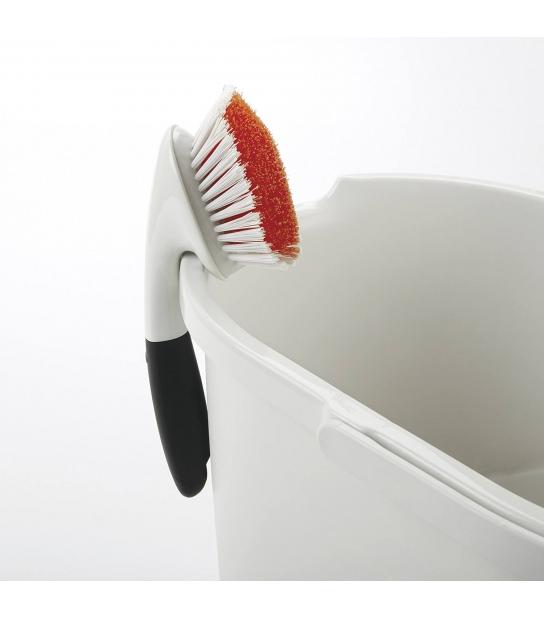 Escova de Limpeza para Esquinas e Cantos - Oxo