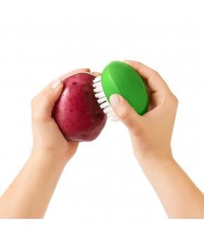 Escova Flexível para Limpar Vegetais - Oxo