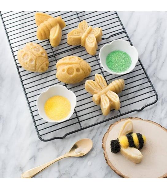 Forma Backyard Bugs Cake Pan - Nordic Ware